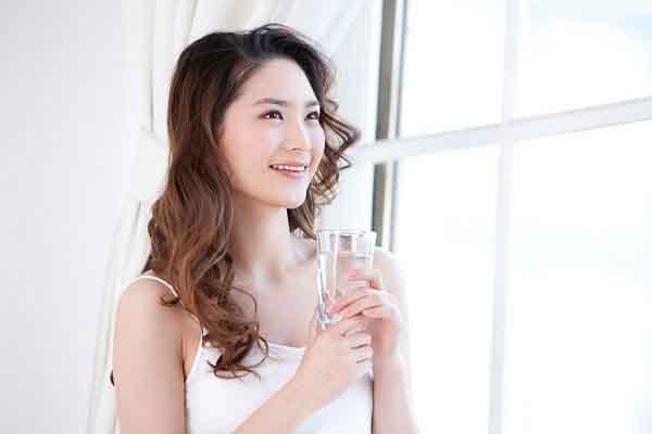 Uống nước nhiều có thể gây ngộ độc?