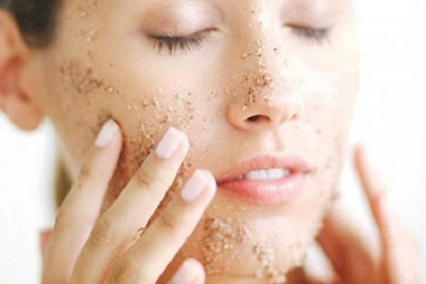 Làm sạch da với 4 công thức tẩy tế bào chết đơn giản