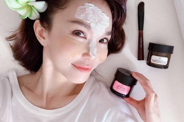 Phạm Văn Phương, Trương Bá Chi... luôn xinh đẹp ở tuổi 40 nhờ mỹ phẩm này
