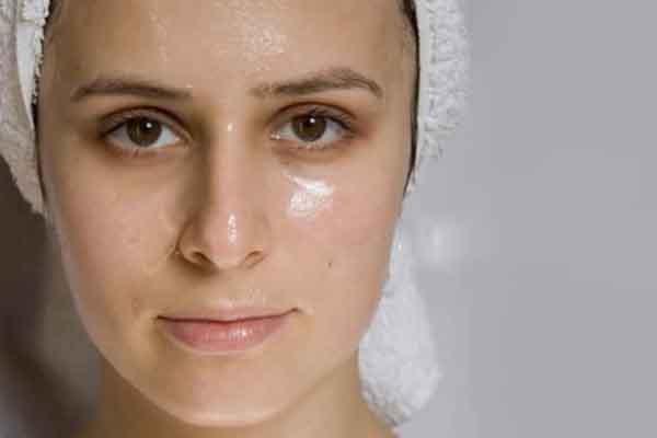 4 bước đơn giản giúp kiềm dầu cho da trong ngày hè