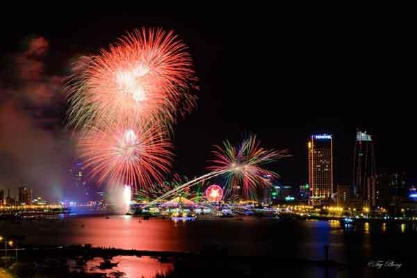 Mừng Tết dương lịch, Đà Nẵng tổ chức bắn pháo hoa trên sông Hàn