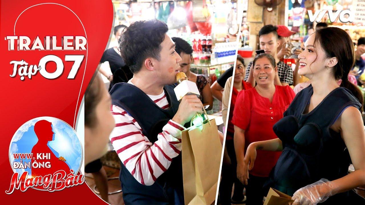 """Trấn Thành - Hương Giang quyết liệt """"giành khách"""" tại chợ Bến Thành"""