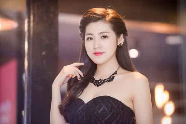 Á hậu Dương Tú Anh chia sẻ bí quyết dưỡng da tỉ mỉ