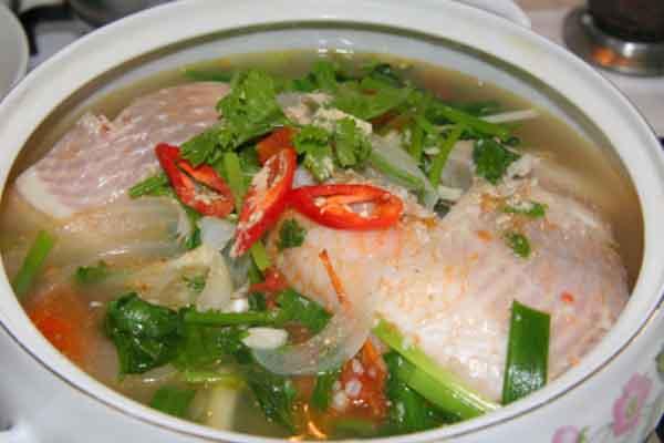 Canh cá diêu hồng nấu ngót cho ngày mưa