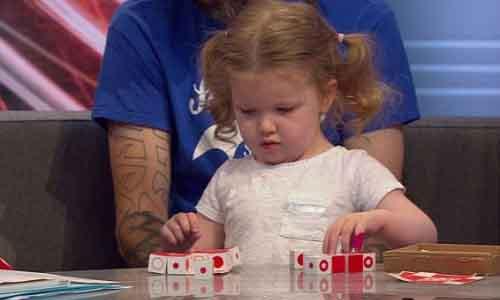 Một cô bé 3 tuổi người Anh có chỉ số IQ cao ngất ngưởng