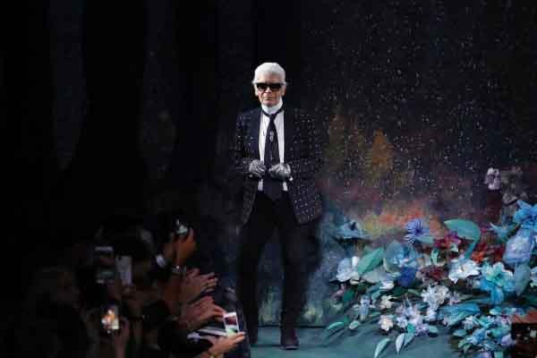 Huyền thoại thời trang Karl Lagerfeld đã qua đời