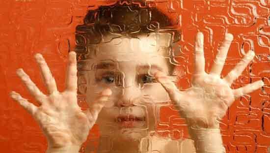 Những gợi ý giúp nhận biết trẻ tự kỷ