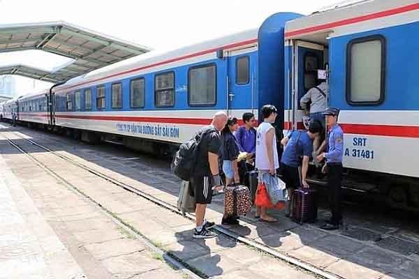Vé tàu hoả Sài Gòn - Đà Nẵng giảm 15% dịp sau hè