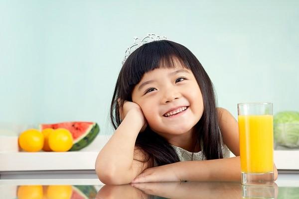 Nước ép trái cây có thật sự tốt cho trẻ?