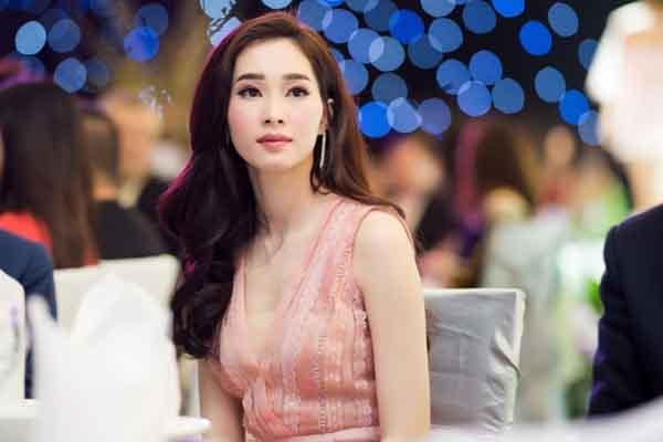 Hoa hậu Đặng Thu Thảo dẫn đầu danh sách mặc đẹp nhất tuần
