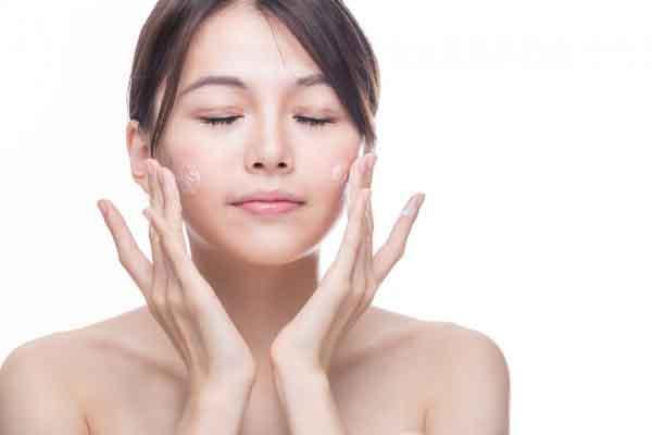 Chỉ cần rửa mặt đúng cách sẽ có được làn da đẹp