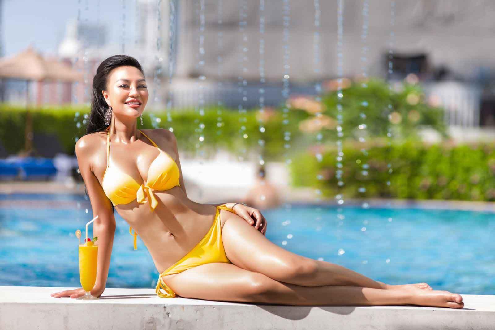 Nữ hoàng Trần Huyền Nhung khoe vẻ đẹp nóng bỏng tại Thái Lan
