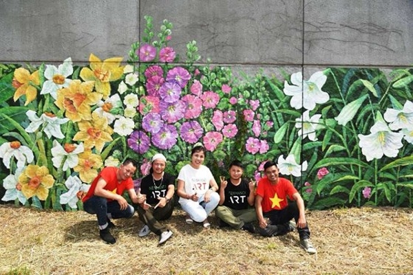 Tranh của họa sĩ Việt Nam xuất hiện bên bờ sông Seine
