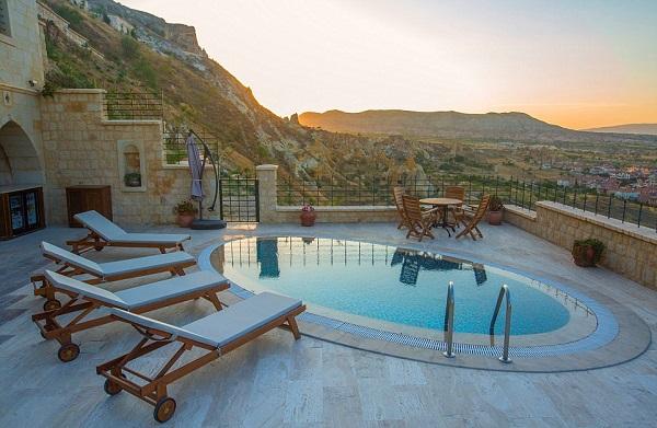 Kỳ lạ và hấp dẫn như khách sạn hang động ở Thổ Nhĩ Kỳ