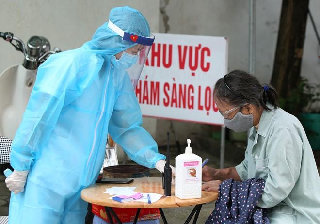 Việt Nam ghi nhận ca thứ 327 nhiễm COVID-19 là hành khách nhập cảnh từ Nga