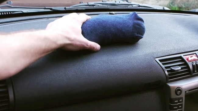 Mẹo hay khắc phục tình trạng hơi nước nơi cửa kính xe