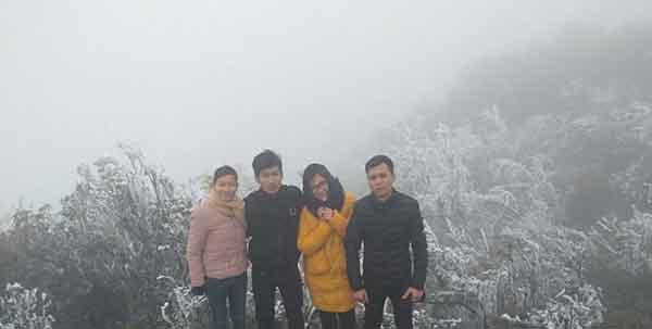 Mẫu Sơn có tuyết rơi khiến du khách mê mẩn