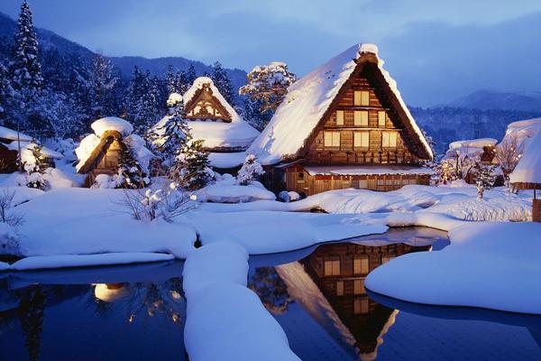 Ngày tuyết rơi đầu tiên ở ngôi làng cổ tích Shirakawa-go
