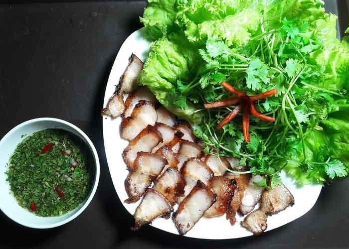 Làm thịt áp chảo kiểu Thái nhanh gọn cho ngày mưa