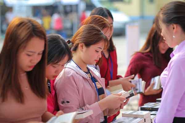 Hành trình Từ Trái Tim: Mang tri thức đến bản nghèo nhất Mường Tè – Lai Châu
