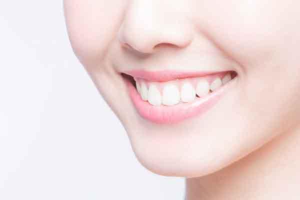 Một số mẹo đơn giản giúp hàm răng bạn luôn trắng sáng