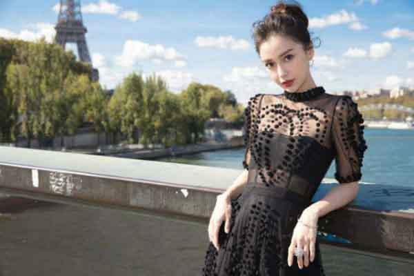 """Virus corona làm ngành thời trang Trung Quốc """"tê liệt"""""""