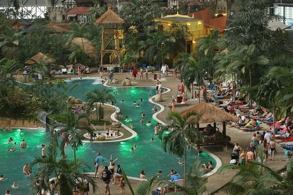 Đắm mình ở 7 hồ bơi trong nhà tuyệt vời nhất thế giới