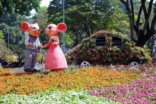 Hội hoa xuân Tao Đàn hút khách với nhiều tiểu cảnh độc đáo