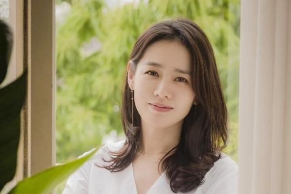 Bí quyết giữ gìn vóc dáng tuổi 40 của Son Ye Jin (Hạ Cánh Nơi Anh)