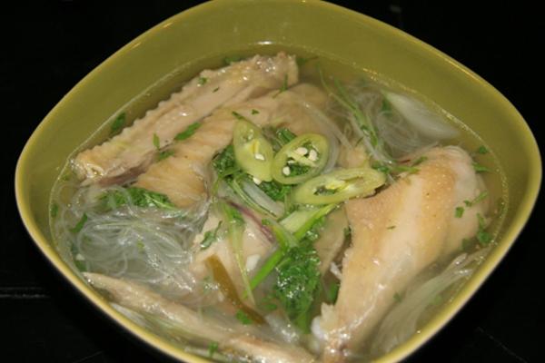 Công thức nấu miến thịt gà thơm ngon cho các cô vợ đảm đang