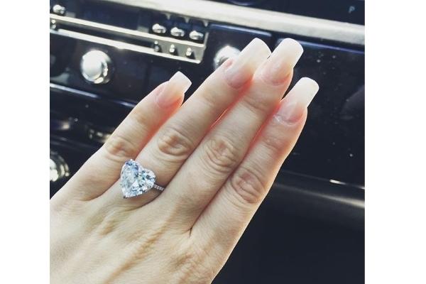 10 chiếc nhẫn đính hôn trị giá cả gia tài của người nổi tiếng