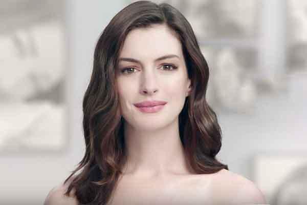 Anne Hathaway bỏ ăn chay trường vẫn giữ được vóc dáng hoàn hảo