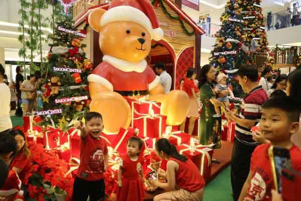 Sài Gòn tràn ngập không khí Giáng sinh
