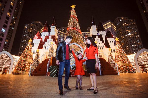 Những địa điểm vui chơi Noel hấp dẫn tại Hà Nội