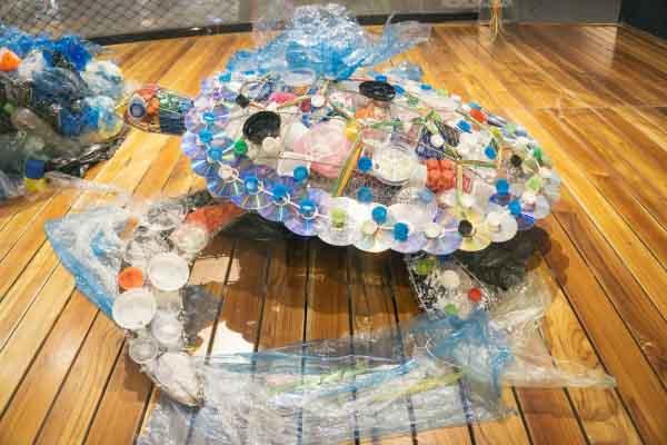 """Con người ở đâu trong """"hành tinh của nhựa""""?"""