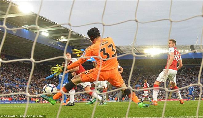 Thua Leicester, Wenger khen Arsenal tương lai xán lạn
