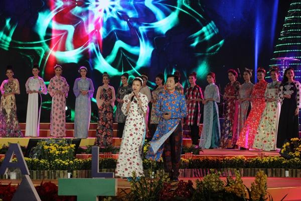Biển người đến với đêm 'Duyên dáng Việt Nam 29' tại Đà Lạt