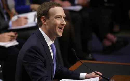 Điều trần trước Quốc hội Mỹ: CEO Facebook ngẩng cao đầu xin lỗi