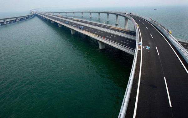 Choáng ngợp kích thước chiếc cầu dài nhất thế giới