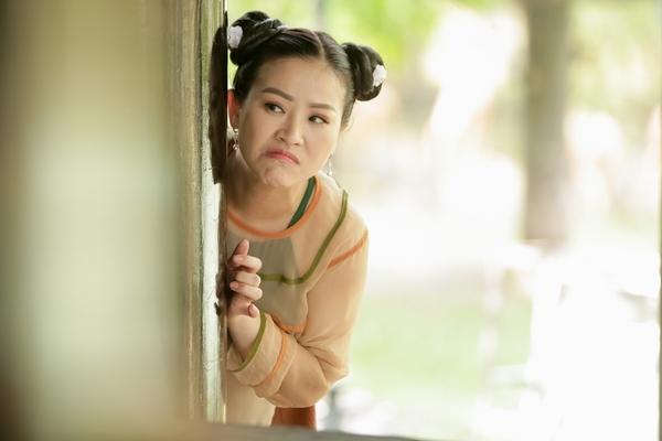 Mặc 'bão bóng đá' và 'bão Hoa hậu', phim 'Ma' của Kiều Linh vẫn lọt top trending đều đều