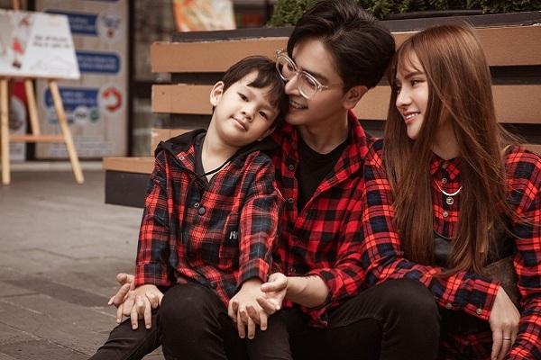 Hậu sóng gió, Thu Thủy khoe bộ ảnh gia đình hạnh phúc bên nhau