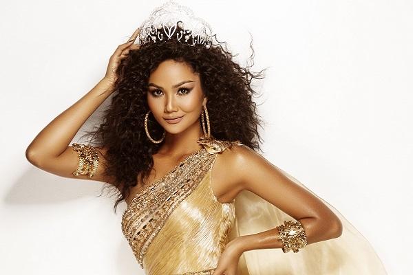 Ngắm nhan sắc của của H'hen Niê trong vai trò đương kim Hoa hậu Hoàn vũ Việt Nam