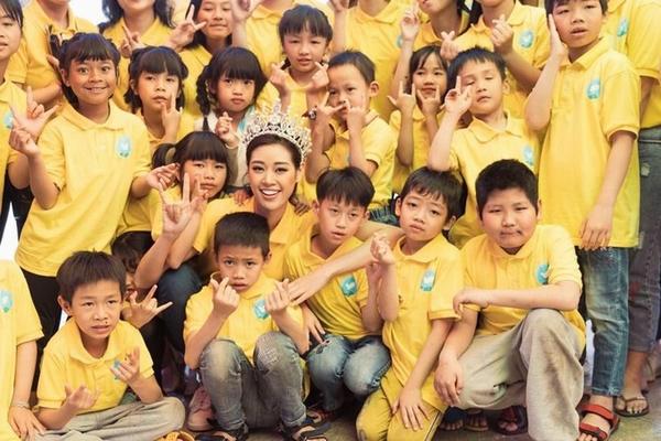 Hoa hậu Khánh Vân, Kim Duyên và Thúy Vân mang Tết đến người dân Bảo Lộc - Đà Lạt