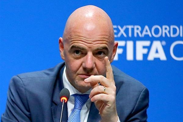 Chủ tịch FIFA: 'Không có trận nào xứng đáng để liều lĩnh đánh đổi bằng mạng người'