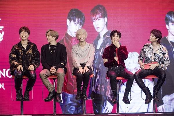 Ra mắt nhóm nhạc Việt theo đúng tiêu chuẩn Hàn Quốc