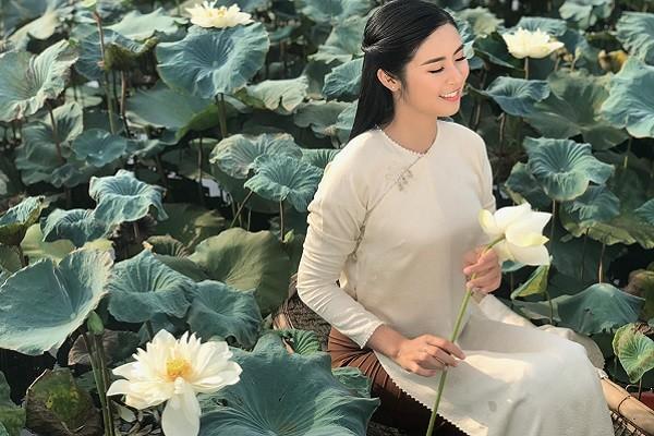 Hoa hậu Ngọc Hân tuổi 31: Tài sắc vẹn toàn