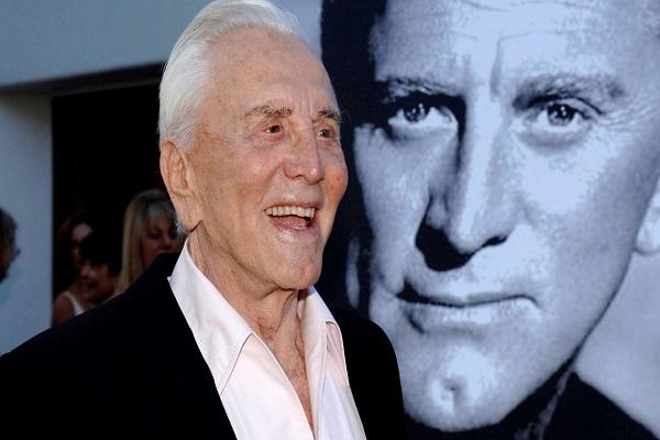 'Huyền thoại điện ảnh' Kirk Douglas qua đời ở tuổi 103