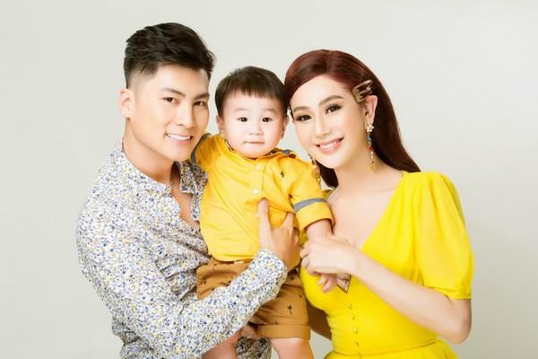 Nghi vấn trục trặc hôn nhân của Lâm Khánh Chi và chồng trẻ kém 8 tuổi