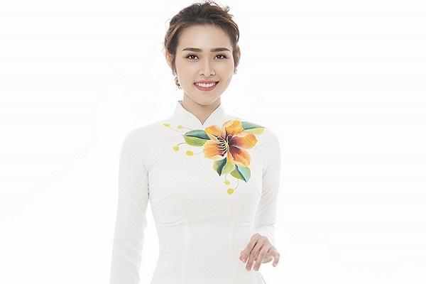 Diệp Bảo Ngọc chọn áo dài đón Tết vì muốn giáo dục con về giá trị văn hóa