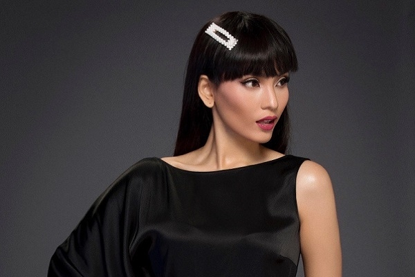 Á hậu Trương Thị May khoe vẻ đẹp huyền bí đón năm mới